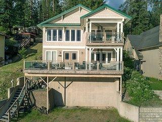 Neachen Bay House
