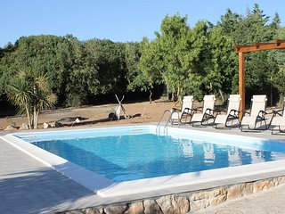 Large Private Villa, Large Garden, Private Swimming Pool, FREE WiFi