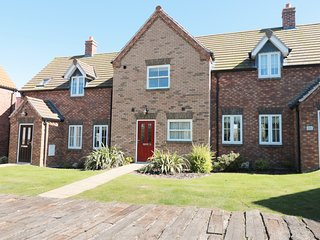 BUCK PLACE, open-plan, communal leisure facilities, BBQ, in Filey