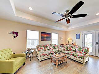 Steps to Aransas Bay! All-New 2BR Near the Beach w/ Outdoor Spaces & Carport
