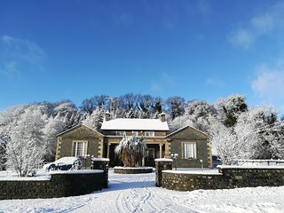 Entire Luxury 8 Bedroom Period Self-Catering Home - Ideal for Weddings & Parties