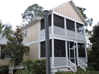 'Going Barefoot Cottage' Screened Porches, Pool, Hot Tub, Three Minutes To Beach