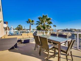 Nautical Beach House - Mission Beach Vacation Home