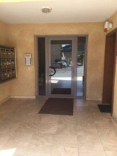 Porte d'entrée résidence sécurisée