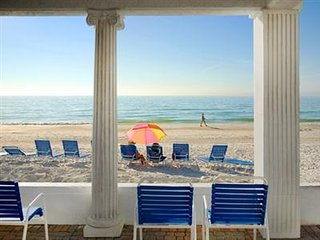 4th of July Gulf front resort! 2 bdrm Anna Maria Island June 30-July 7