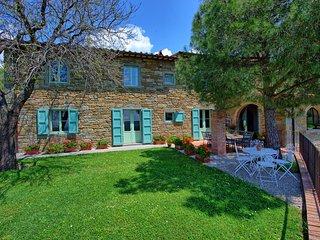 Polvano Villa Sleeps 10 with Pool and Air Con - 5242066