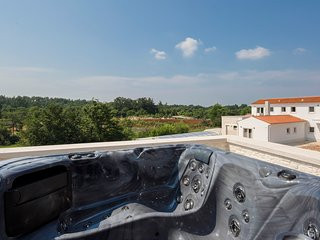 5 bedroom Villa in Čabrunići, Istria, Croatia : ref 5634883