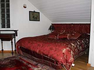Vacation resort and restaurant in a historical manor. Bedroom 4