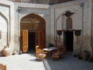 Bukhara Hotels Miraziz Ambari - Family Room 2