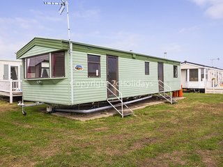 8 berth caravan at St Osyth Holidays Park. *Pets Allowed. REF 28027FV
