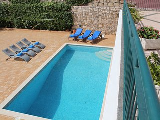 Superb refurbished villa, heated pool, close to facilities | Casa Petronella