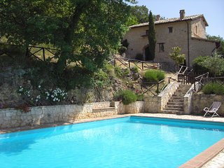 Villa in hidden Umbria, with large pool and spectacular views