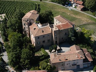 CASTELBURIO HOLIDAY HOUSE