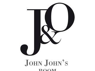 J&0' Luxury Suite - John John' Room