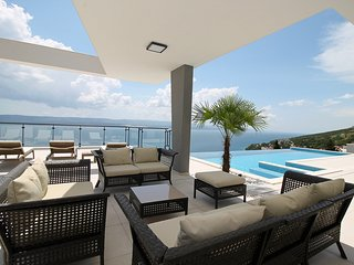NEW!! Luxury Villa Avior with private pool, sauna and gym