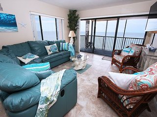 Direct Beachfront Corner Unit 2 Bed/2 Bath