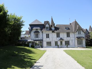 Trouville sur Mer, Beautiful Manor, fully restored at 5mn from the beach