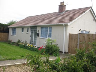 Sea Palling, Comfortable, Cosy, well equipped holiday bungalow, close to beach