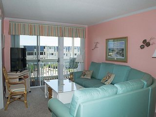 Wonderful oceanview condo w/recently updated kitchen & bathrooms!