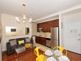 Beautiful 2 bed 1 bath close to Times Square apartment