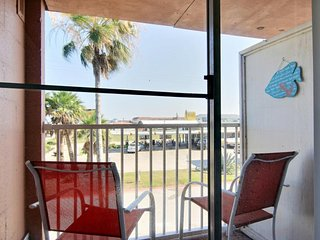 NEW LISTING! Dog-friendly studio by water w/shared pool-near attractions & parks