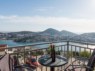 Apartment Nuncijata - Three Bedroom Apartment with Balcony and Sea view