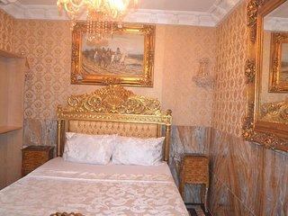Grand Emperor Hotel Deluxe Room2