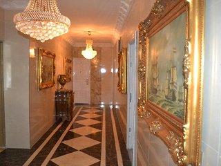 Grand Emperor Hotel Deluxe Room9