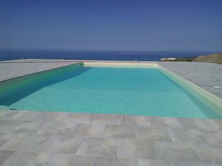 63/5000 beautiful guesthouse with private pool and wonderful 360 ° view