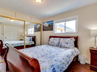 Dog-friendly beach escape with a prime seaside location and room for a family