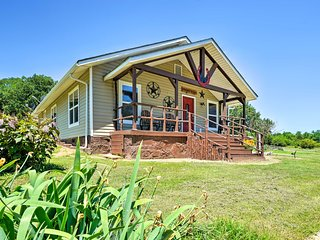 NEW! McAlester Cottage - 30 Private Acres & Ponds!