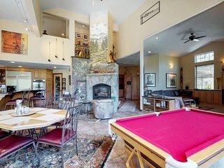 Family-friendly house w/ private hot tub, gym & scenic views - ski & lake nearby