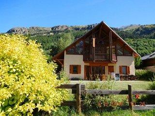 RDC chalet, terrasse, jardin vue montagne et piste