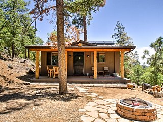 Peaceful Prescott Mountain Home-8 Mi. to Downtown