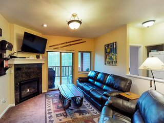 NEW LISTING! Newly-built condo w/spectacular view, accessibility, great location