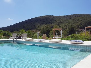 Villa Ivy Ibiza, 5 minutes from the best beaches