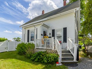 NEW LISTING! Dog-friendly cottage w/hot tub, backyard & bay view - near downtown
