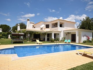 Villa in Albufeira with Internet, Pool, Air conditioning (68157)