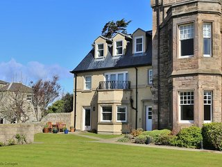 Golf View - Gorgeous modern apartment in Elie