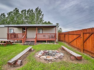 Columbia Falls Cottage w/ Deck & Grill!