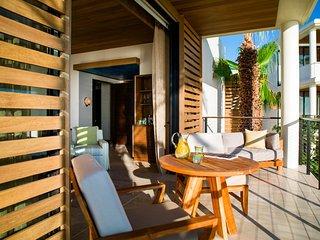 Tropical Garden View Villa w/ Pool Access, Grill & Fitness Center