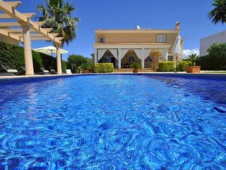 Villa in Sa Torre by the sea and near golf for 8 people- 4 bedrooms., Sat TV. Pr
