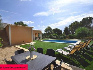 Stone-lined house in Cala Pi for 8 people, 3 bedrooms, Satellite TV, Private Poo
