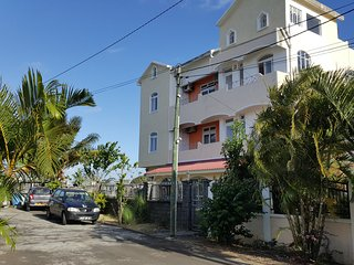 Rent Mauritius self catering flat 200 m to Trou aux biches beach.Free 24/7 wifi