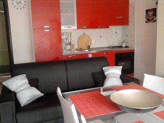 2 Bed, 2 bath apartment Pizzo Beach Club w/garden