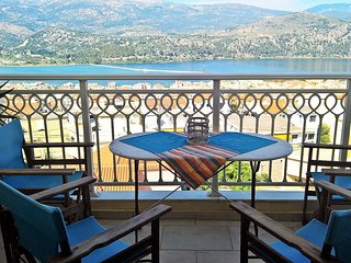 Central Apartment in Argostoli, 2 bedrooms, 4 persons, Panoramic  views