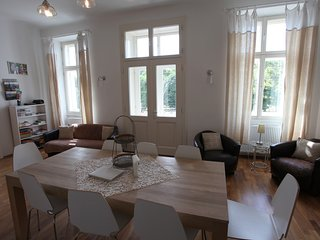 Very large typical Viennese apartment directly at the Augarten with balcony