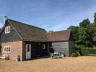 Beautifully located coach house cottage near Rye