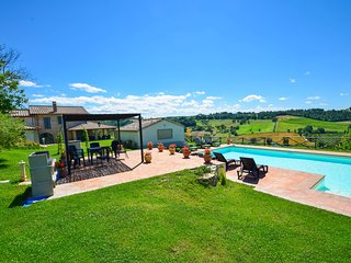 Villa with private pool, panoramic view, ping pong at 4 km from Amelia