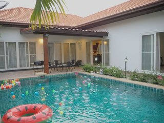 Pattaya private pool, close to the beach, 3BR